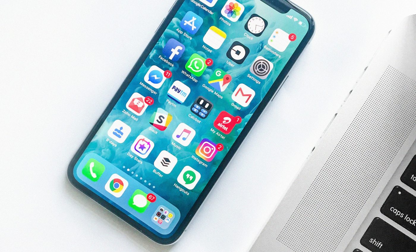 How Are iPhone screens made?
